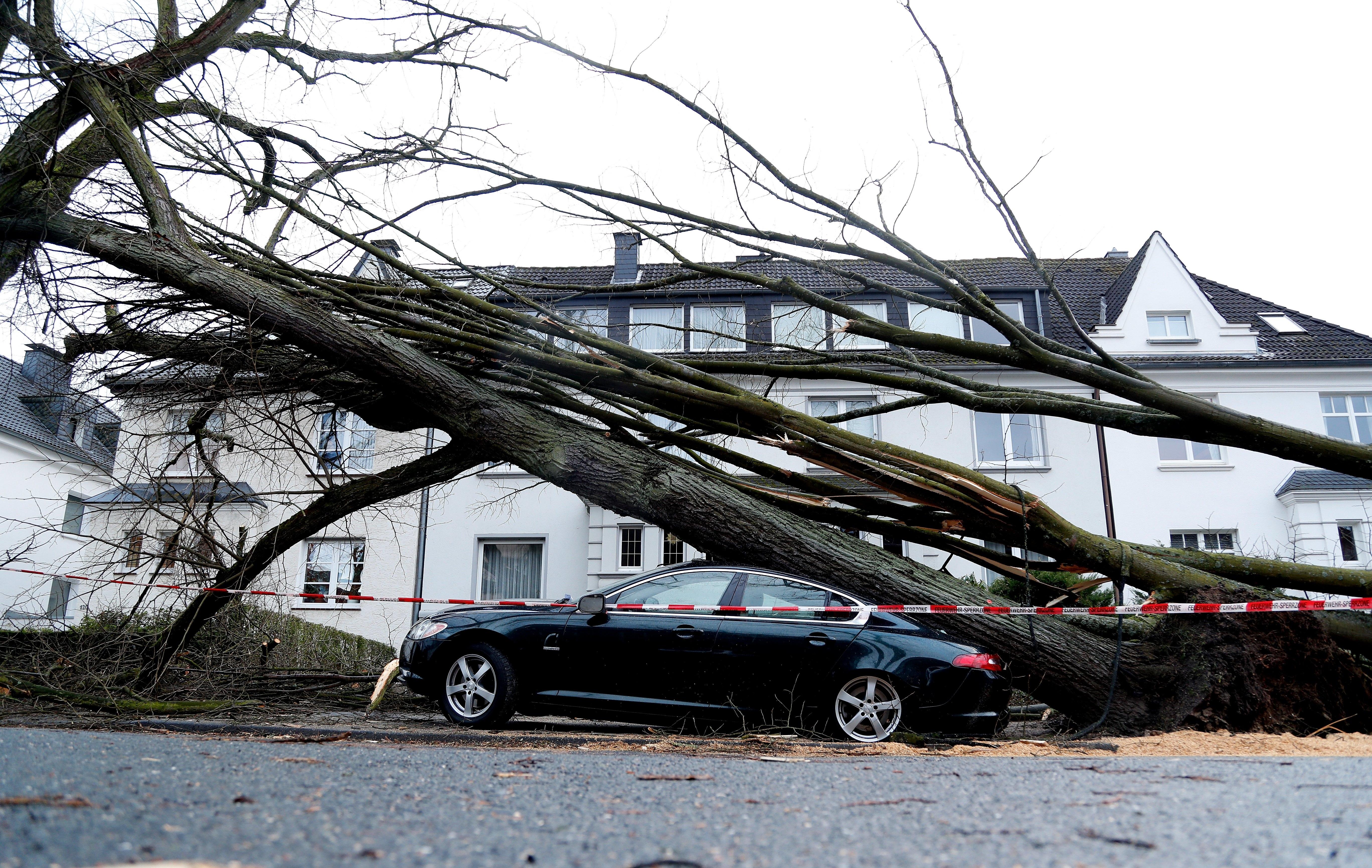Tempestade faz pelo menos seis mortos na Europa