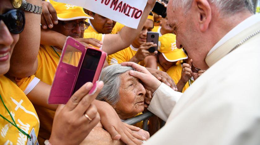 """Papa no Peru. Francisco pede o fim da """"praga"""" dos femicídios"""