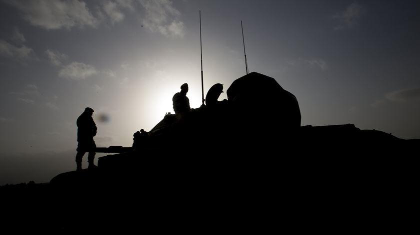 Síria. Coluna militar turca atacada pelas forças de Assad
