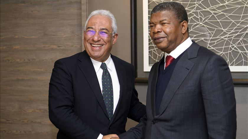 """Costa reuniu-se com Presidente de Angola. Relações são """"fraternas"""", mas visitas estão congeladas"""
