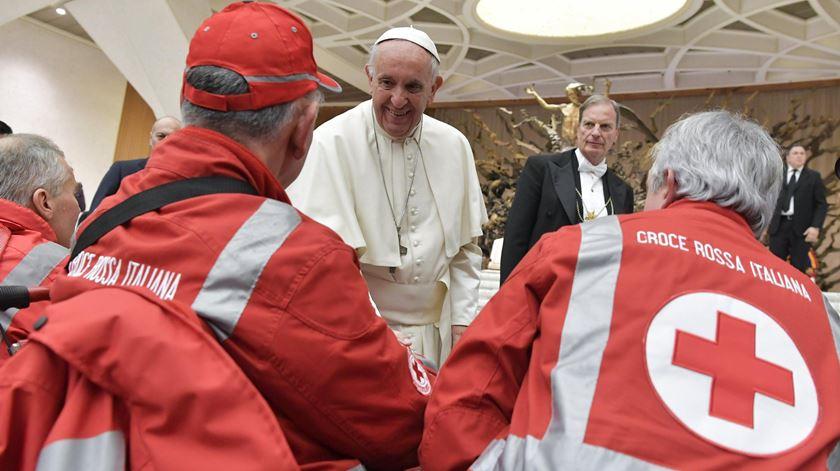 """Papa aos voluntários da Cruz Vermelha: """"Deem bofetadas com palavras e testemunho"""""""