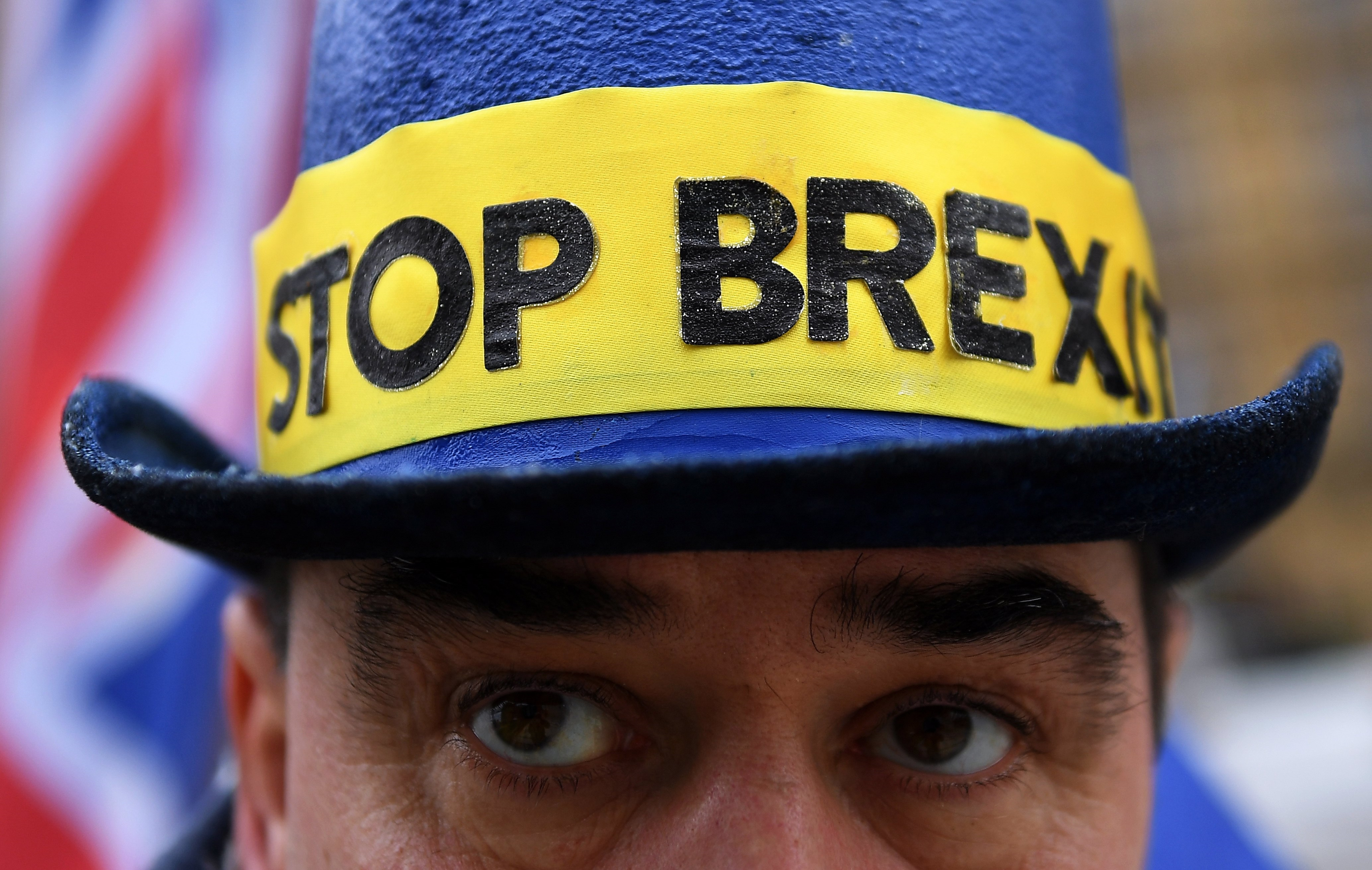 Desemprego no Reino Unido tem avanço inesperado