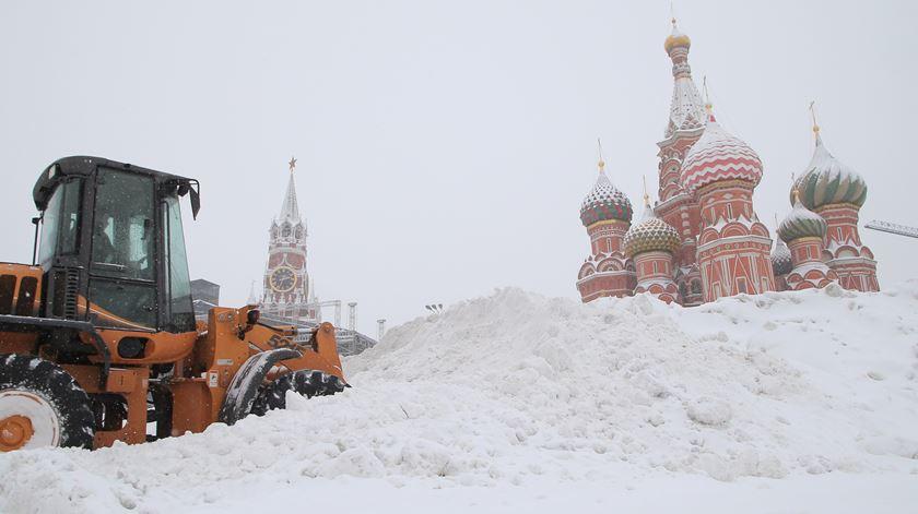 Níveis históricos de neve em Moscovo