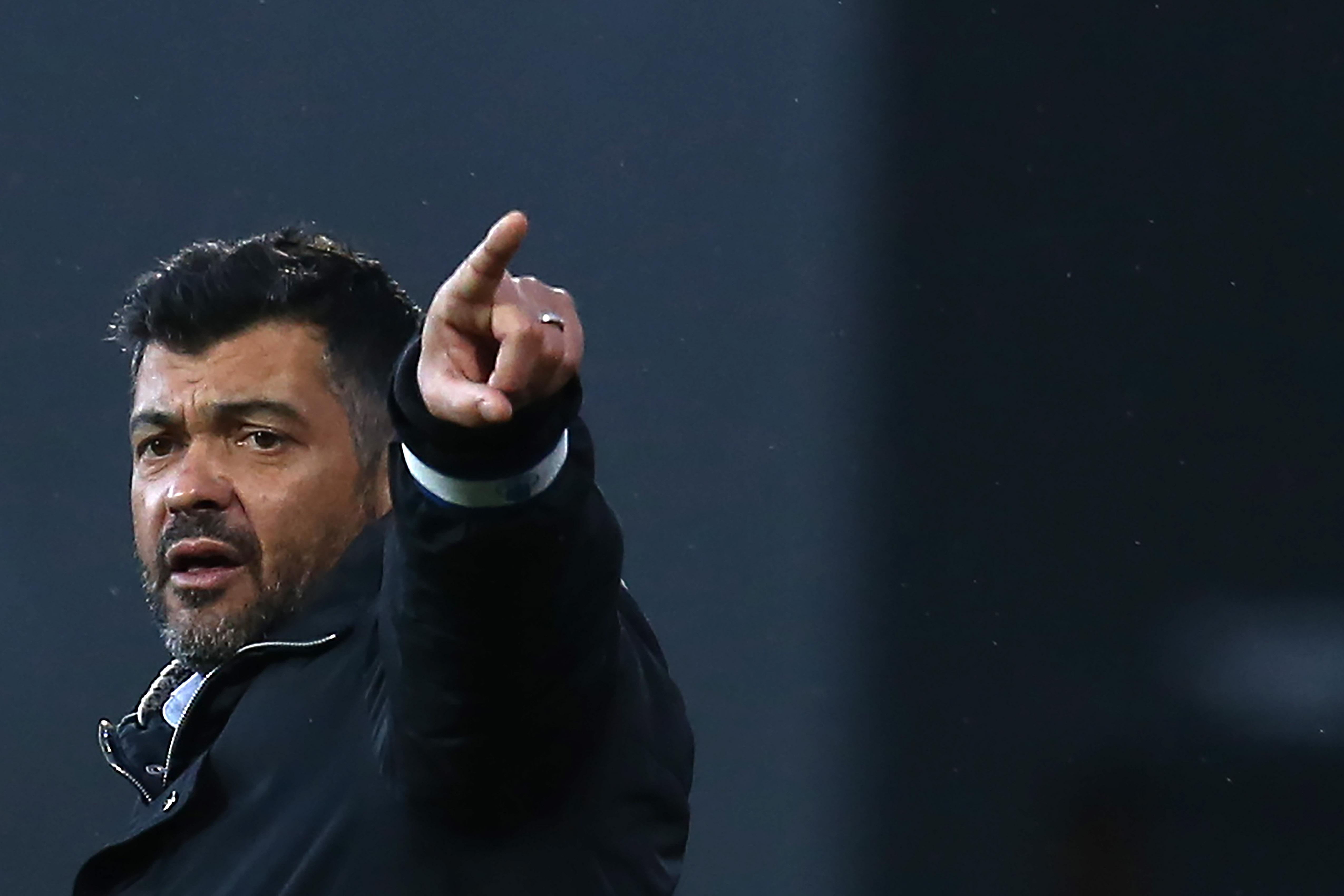 Klopp descarta favoritismo do Liverpool e prega respeito ao Porto