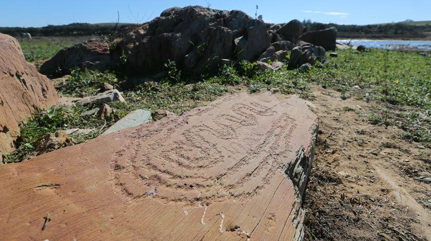 Seca terá desvendado mais arte rupestre no Guadiana