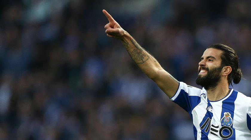 Sérgio Oliveira regressa ao FC Porto