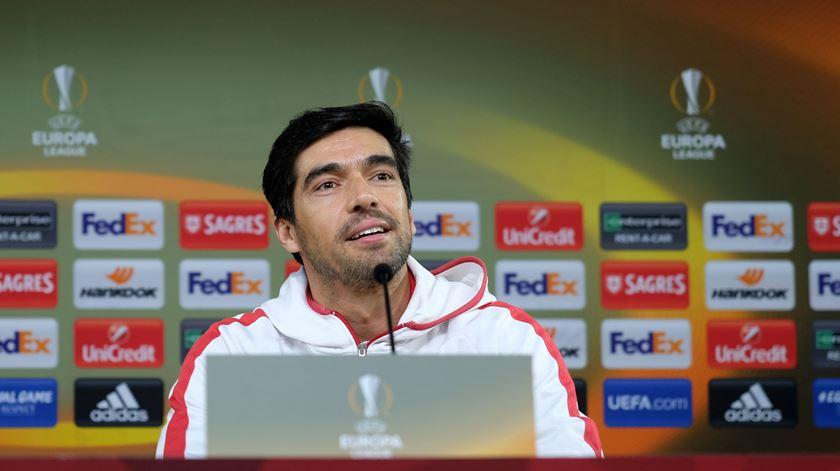 Abel dá os parabéns aos jogadores do Braga