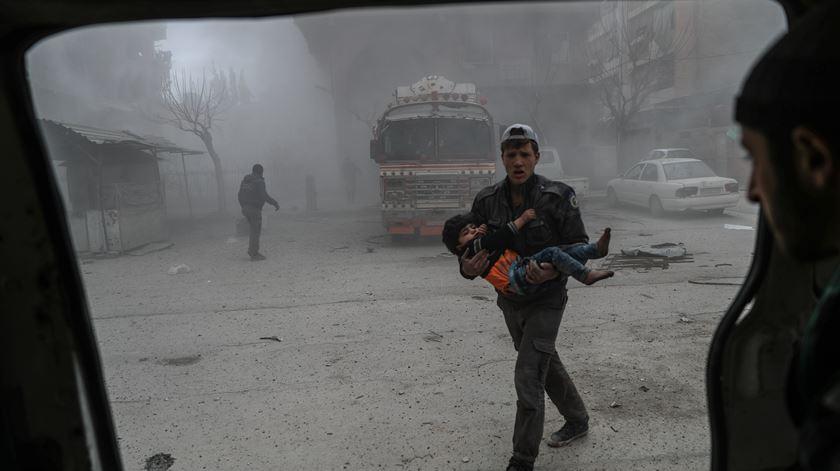 Síria. O que se passa em Ghouta, onde morrem centenas de pessoas e a ajuda não chega?
