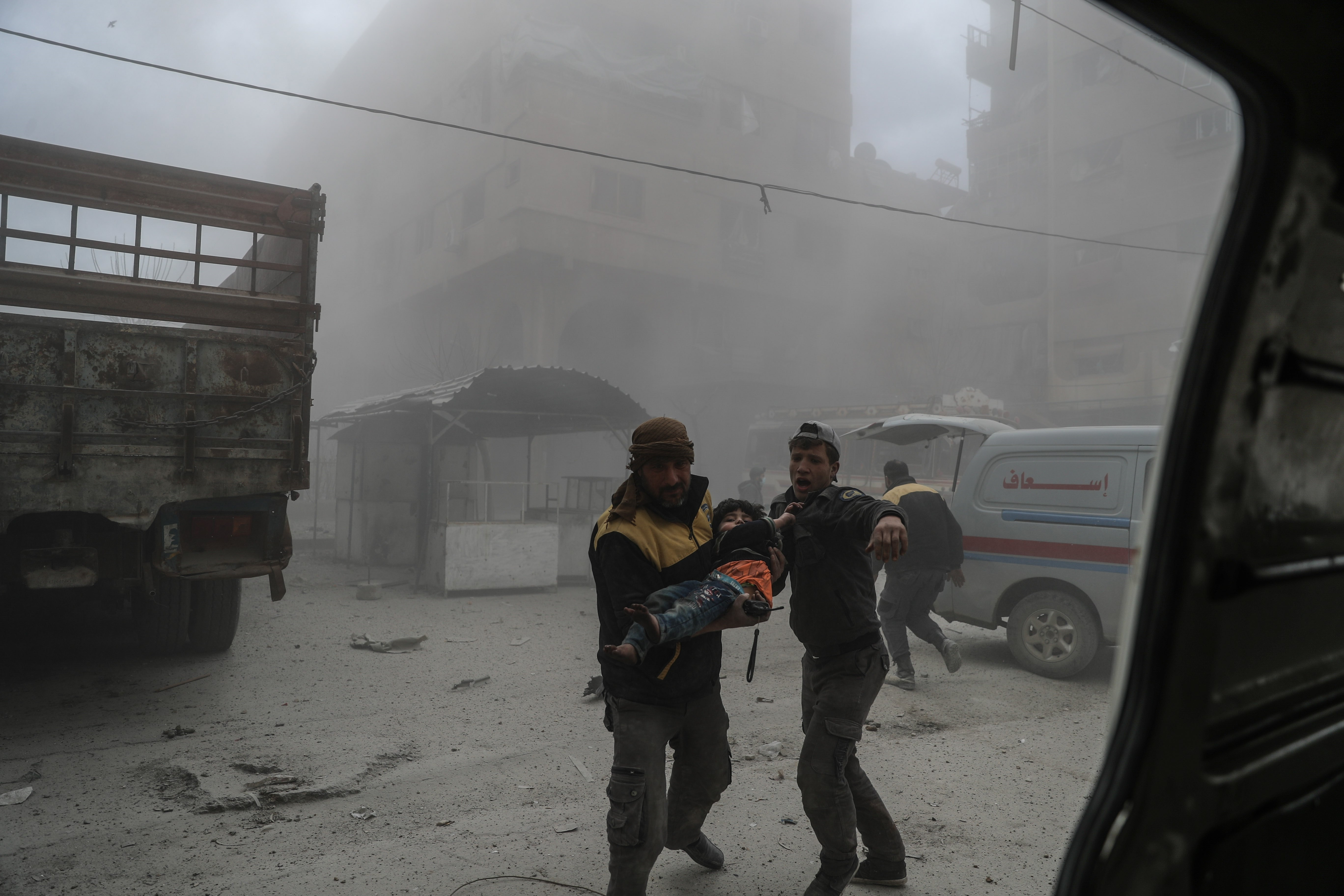 Forças do governo sírio voltam a bombardear Ghouta Oriental