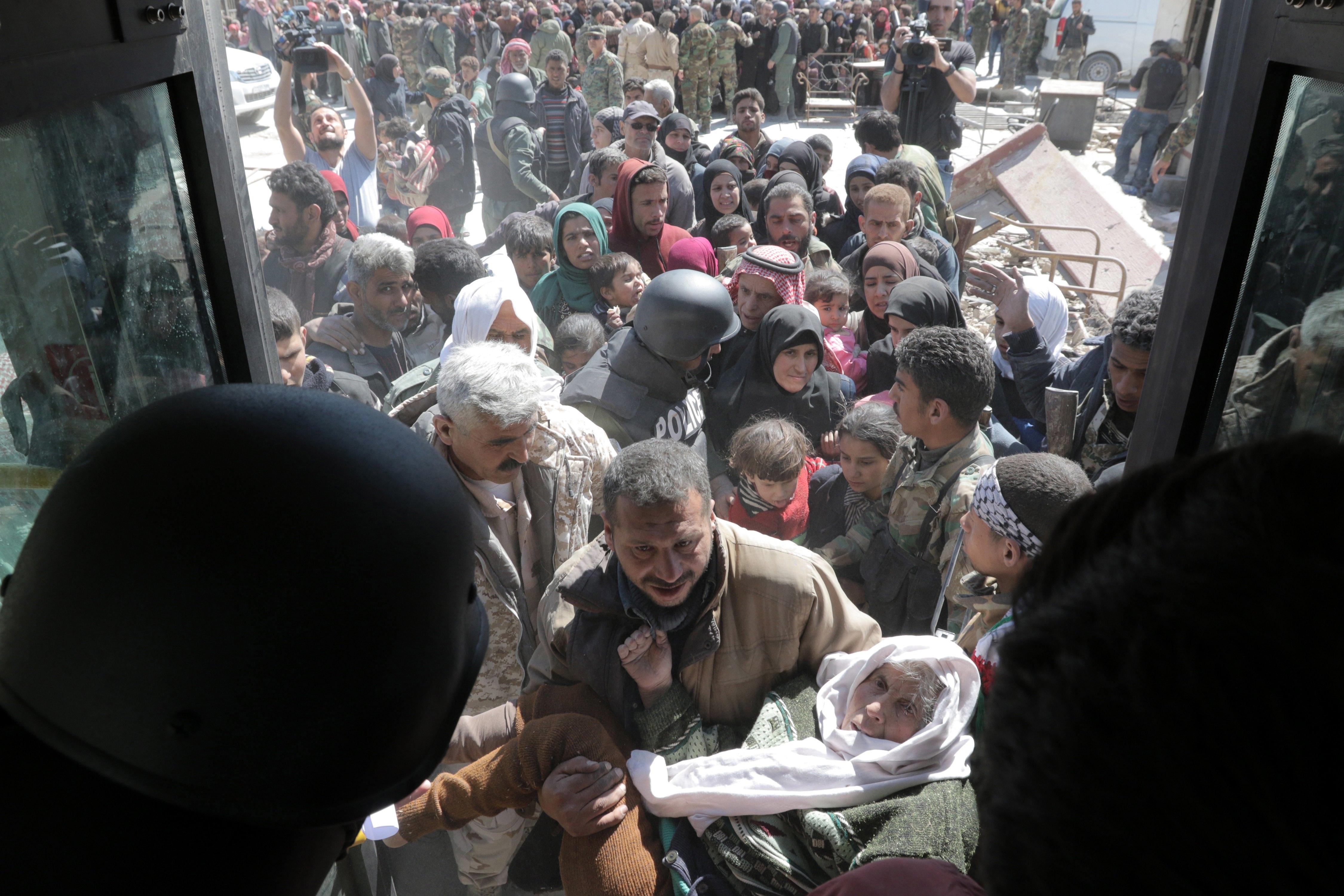 Milhares de pessoas fugiram de Ghouta