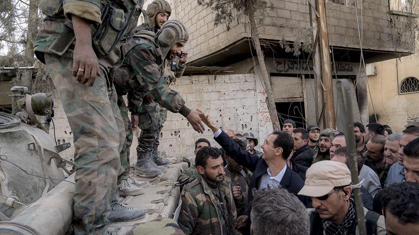 Bashar al-Assad goza da proteção da Rússia e da Síria. Foto: DR