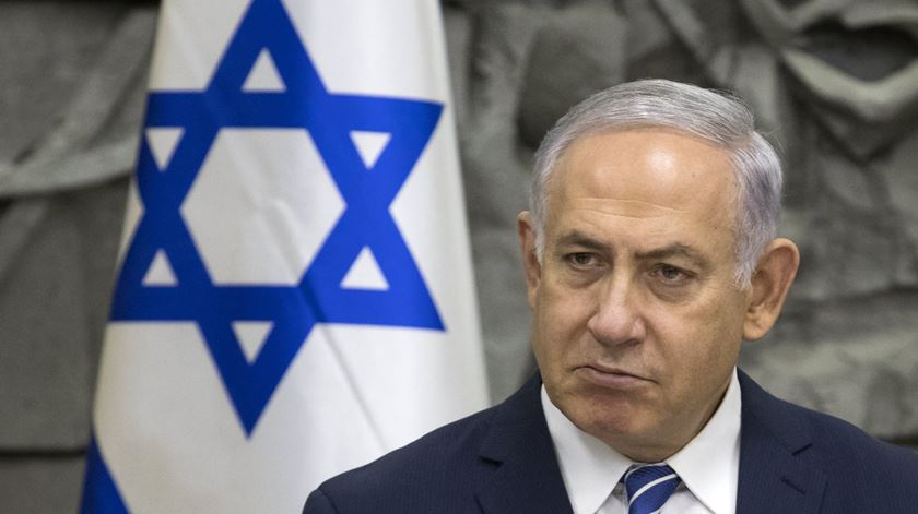 """Israel elogia """"decisão valente"""" de Trump"""