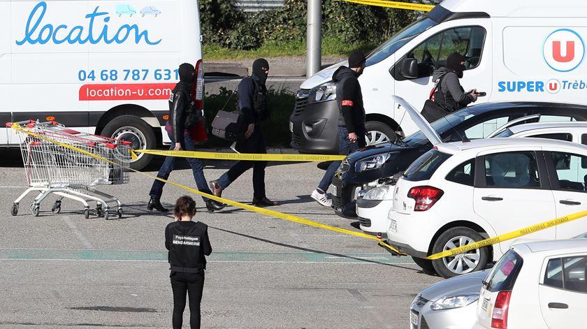 Antes do ataque em Trèbes, terrorista feriu gravemente um português em Carcassone. Foto: Sebastian Nogier/EPA