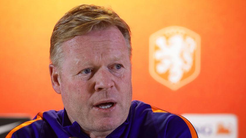 Koeman admite treinar o Barcelona, mas só depois do Euro 2020