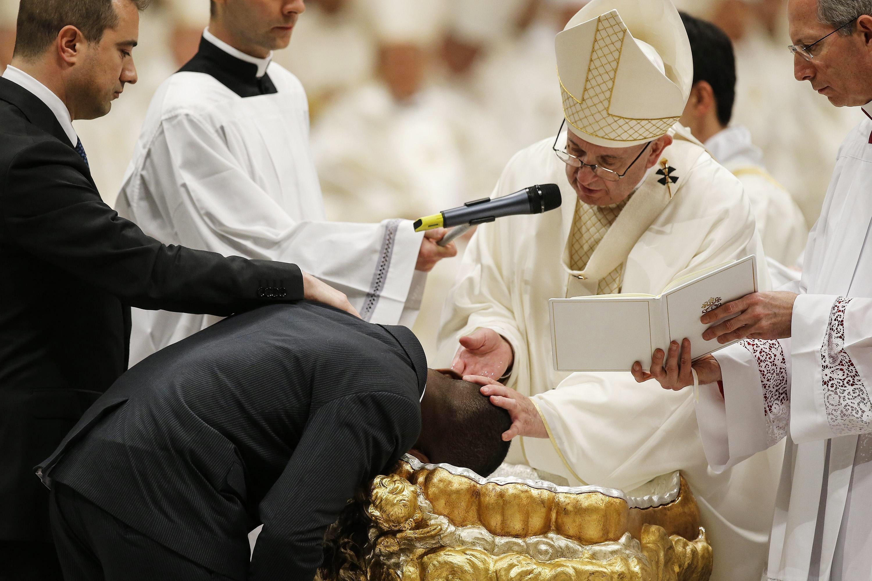 Papa Francisco diz que inferno não existe, afirma jornal italiano