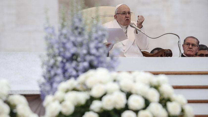 """Papa: """"Se sairmos da igreja a coscuvilhar, a missa não entrou no coração"""""""