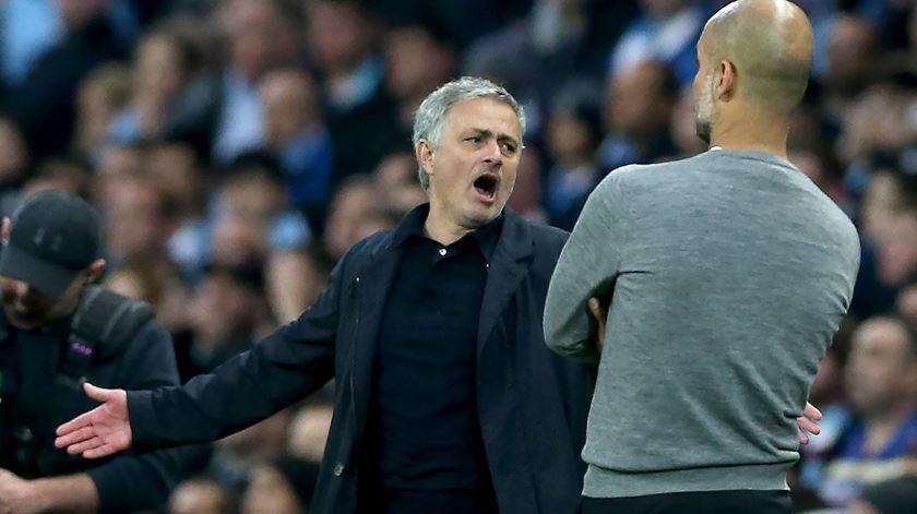 Rivalidade entre Mourinho e Guardiola começou em Espanha, aquando da chegada do português ao Real Madrid. Foto: Nigel Roddis/EPA