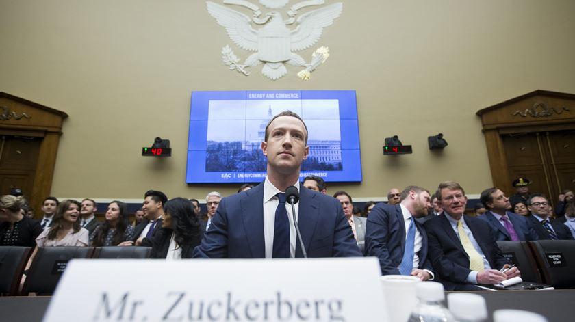 Caso Cambridge Analytica. Aprovada multa de 5 mil milhões contra o Facebook
