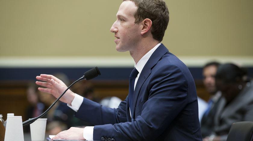 Universidade de Cambridge responde a Zuckerberg