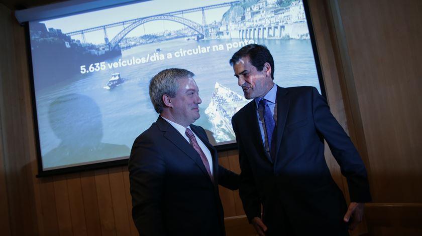 Eduardo Vítor Rodrigues e Rui Moreira fizeram o anúncio da construção da nova travessia no Laboratório Edgar Cardoso. Foto: Lusa