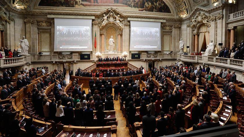DGS e serviços do Parlamento reunidos segunda-feira para preparar cerimónia do 25 de abril