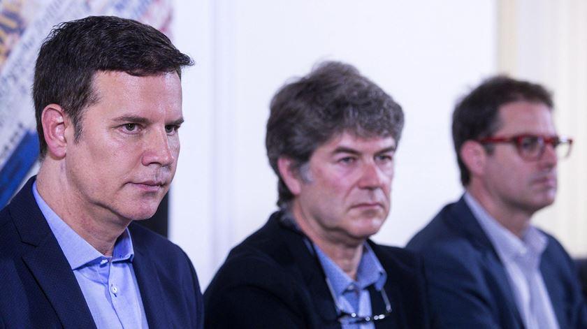 Juan Carlos Cruz, James Hamilton e Jose Andres Murillo, vítimas de abusos sexuais no Chile, foram  recebidos pelo Papa Francisco. Foto: Angelo Carconi/EPA