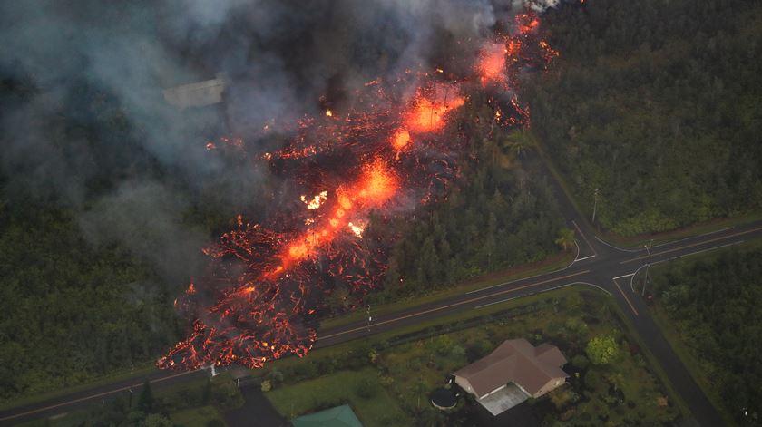 Havai. Vulcão obriga a retirar duas mil pessoas