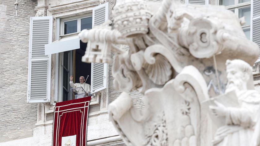 Papa lamenta ataque na Indonésia