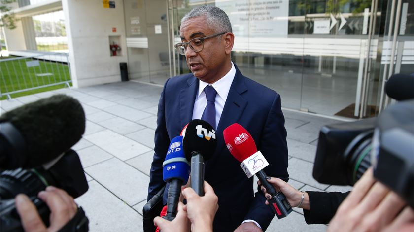 Operação Fizz. Ministério Público quer investigar banqueiro Carlos Silva e advogado Proença de Carvalho