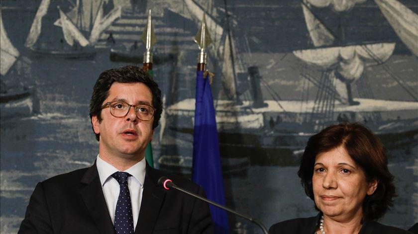 Secretário de Estado do Desporto e secretária de Estado Adjunta e da Administração Interna, Isabel Oneto. Foto: António Cotrim/Lusa
