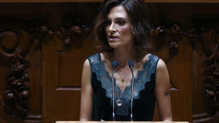 Eutanásia: Isabel Moreira vai fazer texto de consenso para nova lei