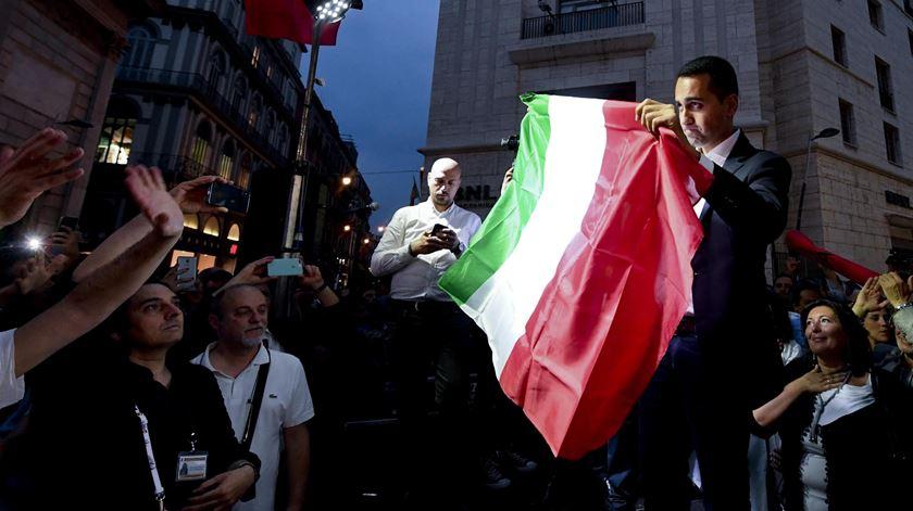 """França critica encontro de Luigi di Maio com líderes dos """"coletes amarelos"""""""