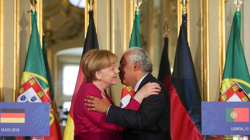 """Merkel sobre orçamento da UE. """"Será quadratura do círculo"""", mas possível """"com um pouco de boa vontade"""""""