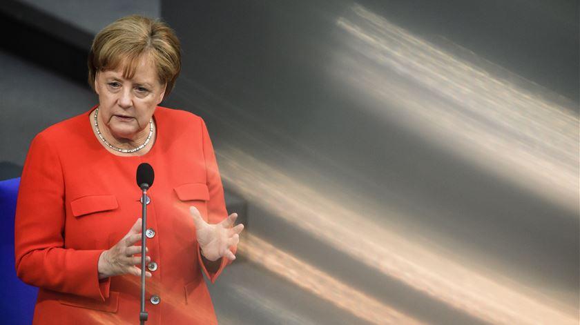 Merkel – e a UE – em dificuldades
