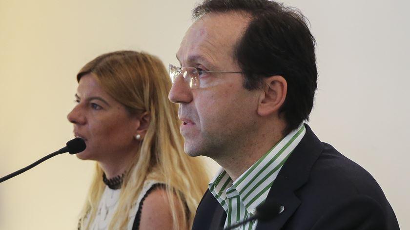 Rita Garcia Pereira e João Duque da Comissão Fiscalizadora. Foto: João Relvas/Lusa