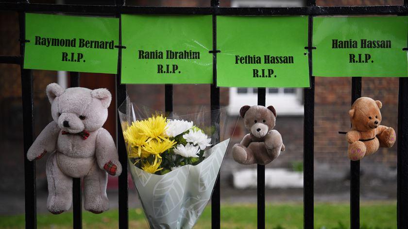 Entre as vítimas estão várias crianças. Foto: Neil Hall/ EPA