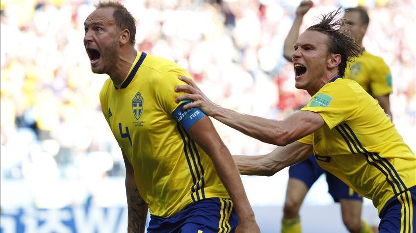 Granqvist é o capitão da seleção da Suécia. Foto: Franck Robichon/EPA