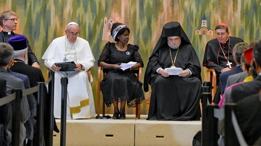 Papa apela à união dos cristãos durante encontro ecuménico em Genebra