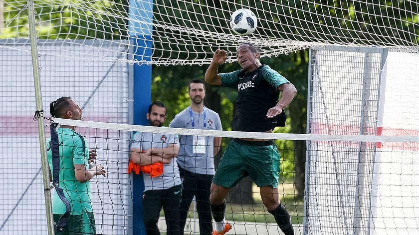 Treino de recuperação após jogo contra Irão sem títulares