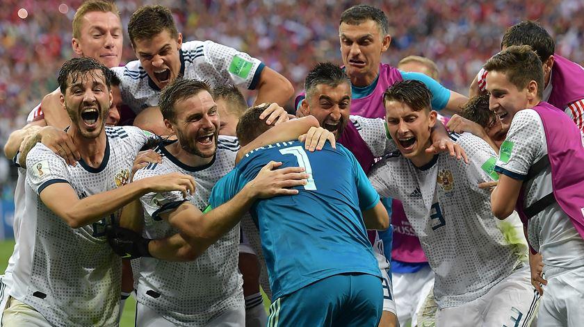 Rússia venceu a Espanha e foi derrotada pela Croácia nos quartos de final. Foto: Peter Powell/EPA