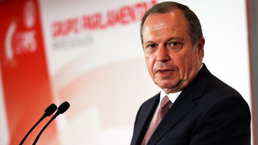 César avisa que afastará da bancada do PS deputados com comportamentos fraudulentos