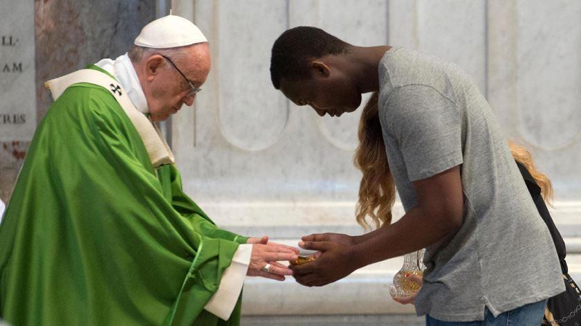 A defesa dos refugiados e imigrantes tem sido um dos pilares do pontificado de Francisco. Foto: Vaticano/EPA