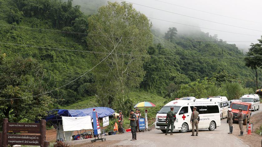 Divulgadas imagens do resgate dos quatro rapazes tailandeses
