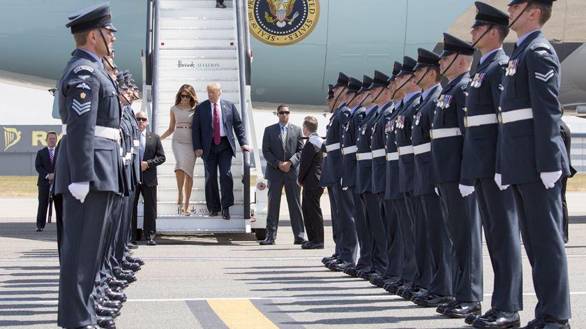 Adiada parada militar de Trump