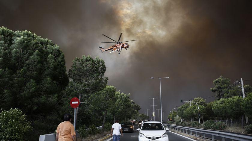 Balanço de mortos nos fogos da Grécia sobe para 86