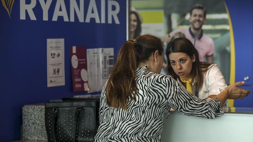"""Ryanair. Sindicato denuncia """"ilegalidades"""" da companhia aérea e lamenta """"não atuação do Governo"""" na greve"""