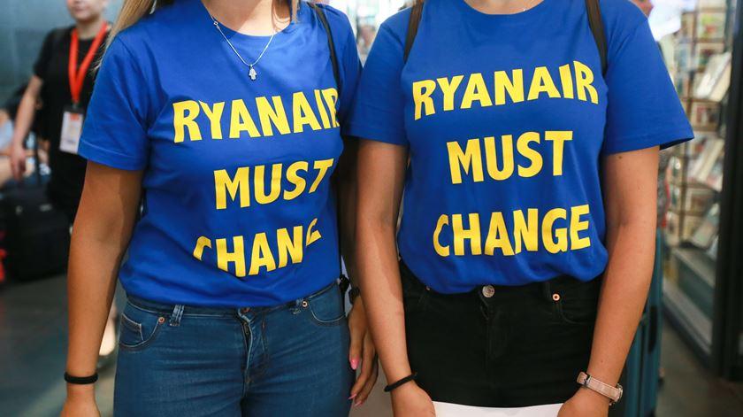 Ryanair continua a debater-se com greves em vários países em que opera. Foto: Stephanie Lecocq/EPA