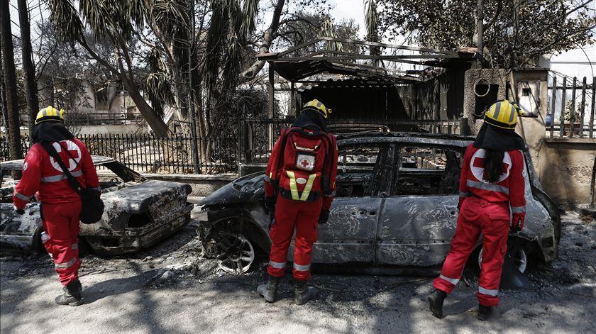 Incêndios na Grécia. Sobe para 91 mortos e há 25 desaparecidos
