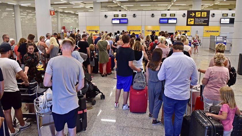 Greve na Ryanair. 70% de adesão e 28 voos cancelados em Portugal