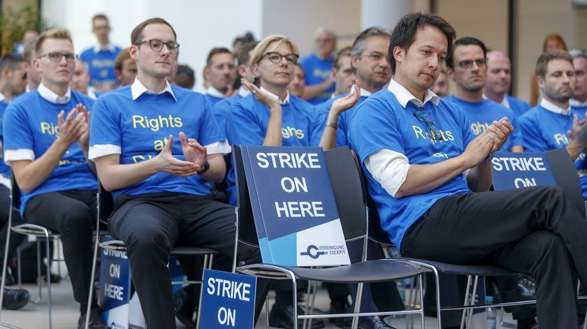 Ryanair. Sindicatos criticam gestão da companhia